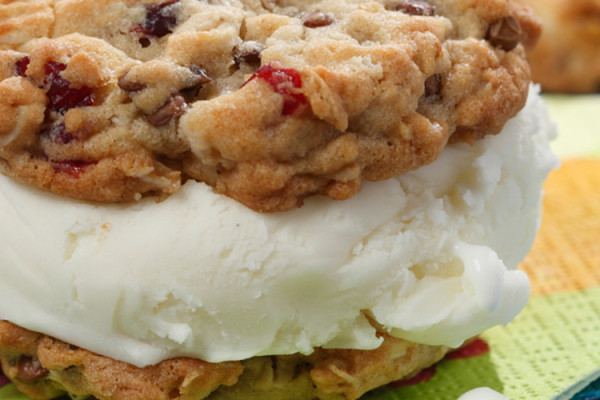 Canadian Lentils Ice Cream Sandwich