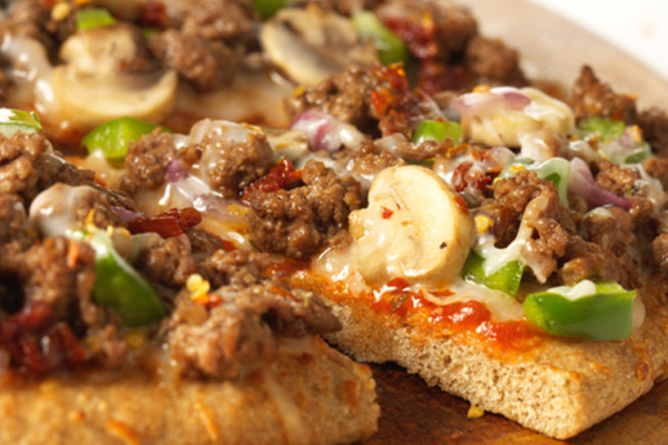 Laura's Lean Beef Pizza Romano